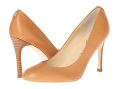 the perfect everyday nude pump to go with summer tanned legs