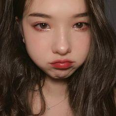 9 Korean Makeup Looks – My hair and beauty Korean Natural Makeup, Korean Makeup Look, Korean Beauty, Makeup Inspo, Makeup Inspiration, Ulzzang Makeup, Korean Makeup Tutorials, Korean Make Up, Uzzlang Girl