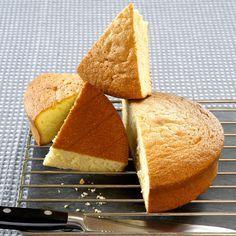 Découvrez la recette gâteau de savoie au micro-onde sur cuisineactuelle.fr.