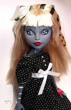 Mattel Monster High Werecat Twin Sisters - blonde - OOAK doll Repaint by circlerose