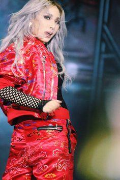 2NE1 CL AT MAMA IN HONG KONG (DECEMBER 2, 2015) Kpop Girl Groups, Korean Girl Groups, Kpop Girls, The Band, Christina Aguilera, Aaliyah, Btob, K Pop, Rihanna