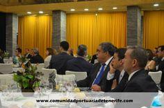 Mesa Presidencial. De izquierda a Derecha: Don Pedro Rodríguez Zaragoza, Presidente de la Autoridad Portuaria de Santa Cruz de Tenerife; Don José Manuel Bermúdez Esparza, Alcalde de Santa Cruz de Tenerife; Don Paulino Rivero Baute, Presidente del Gobierno de Canarias.