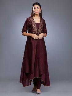 Brown Chanderi Silk Embroidered Suit with Mulmul Gota Dupatta - Set of 4 Pakistani Dresses Casual, Indian Dresses, Kurta Designs Women, Blouse Designs, Indian Designer Outfits, Designer Dresses, Stylish Dresses, Fashion Dresses, Fashion Clothes