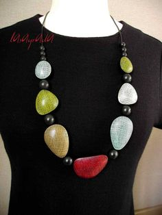 I like the bead shapes in this necklace.