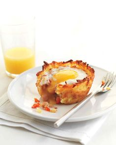 Denver omelette breakfast cups In place of ham steak, you can use crumbled sausage or diced turkey breast.