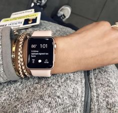 apple watch band and case Get your Free iPhone 11 Pro Or Apple Accessoires Gift White Apple Watch Band, Gold Apple Watch, Apple Band, Cute Apple Watch Bands, Apple Watch Fashion, Accesorios Casual, Accessoires Iphone, Apple Watch Accessories, Outfit Trends