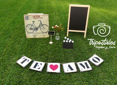 Las mejores ideas para decoración de fiestas de bodas con pizarras decorativas en santiago de Chile. Pizarras de bienvenida a la Fiesta de Boda. Pizarras personalizadas para matrimonios y otros eventos. mas info en nuestra pagina www.tripostales.cl/pizarras-decorativas Kids Rugs, Home Decor, Welcome Chalkboard, Wedding Chalkboards, Wedding Parties, Santiago, Events, Weddings, Homemade Home Decor