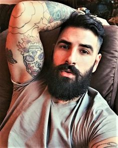 The best beard styles are made with beard balm. Beard and Company's Beard Strength Grooming Kit includes formulated beard balm and oil that strengthens and fortifies facial hair, preventing flakes and dry, itchy skin. I Love Beards, Great Beards, Awesome Beards, Beard Styles For Men, Hair And Beard Styles, Hairy Men, Bearded Men, Bart Tattoo, Muscle Hunks
