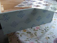 Chalky tono retro en una caja de vino