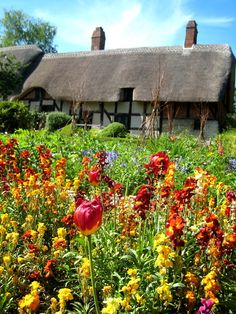 Anne Hathaway's (Wife of Shakespeare) cottage. Stratford upon Avon, England