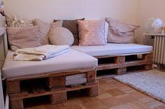 """Auch ihr Sofa ist Marke Eigenbau: """"Die Europaletten habe ich einfach..."""