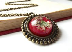 | Listed on Picklist.me |  Queen Anne's lace real flower necklace **Fantasy**