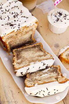 receta bizcocho de tiramisu Sweets Recipes, Cake Recipes, Bien Tasty, Delicious Desserts, Yummy Food, Pan Dulce, Tiramisu Cake, Italian Desserts, Creative Cakes