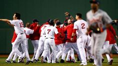 Ortiz's slam gives Red Sox life in ALCS win in game 2