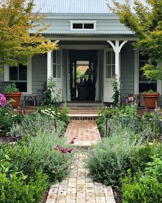 The doors and windows were open all day today. the Summer house on the south side of the garden is just visible through the sitting room… Cozy Cottage, Cottage Homes, Dream Garden, Home And Garden, Porche, Farmhouse Remodel, Farmhouse Style, Farm Stay, Outdoor Areas
