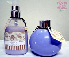 Kit lavabo: Sabonete Líquido e Difusor de Ambiente com varetas em frasco de cerâmica.