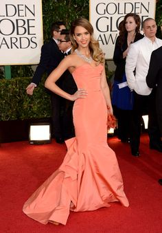 Jessica Alba Wearing Oscar-de-la-Renta Dress
