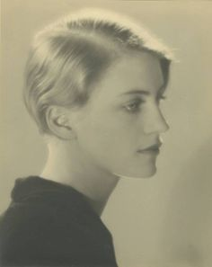 Lee Miller 1930 by Mn Ray