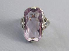 Antique Art Deco 18k white gold lilac amethyst filigree ring 1920s