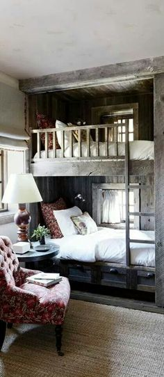 Rustic Bedroom Design Ideas - pictured: The bunk room of a Big Sky, Montana, lodge is partially sheathed in reclaimed corral boards. Markham Roberts Design : canadianloghomes --- pp: love the built-in bunkbeds.each has its own window for daydreaming. Rustic Bunk Beds, Farmhouse Bunk Beds, Wood Bunk Beds, My New Room, Home Fashion, Fashion Men, Home Bedroom, Bedroom Decor, Bedroom Storage