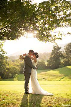Karen and Steve's Berry Wedding with sunshine and thunderstorms! | www.gemma-clarke.com