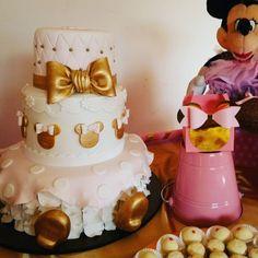 """5 curtidas, 1 comentários - Diseñadora Luisana Carrillo (@nalusa_c.a) no Instagram: """"Y si las invitaciones quedaron hermosas! La torta quedó perfectamente espectacular🎂🎀 elaborada por…"""""""