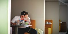 Stress and time management are two important matters for a college student. In this article, you'll learn helpful tips on these issues. The post Stress and Time Management for College Students appeared first on The Time Habits. Student Picture, Student Images, Burn Out, Executive Functioning, Day Trading, Student Loans, Find A Job, College Students, Social Media
