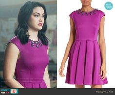 Veronica's magenta dress with embellished neckline on Riverdale - Source by - Veronica Lodge Outfits, Veronica Lodge Fashion, Riverdale Fashion, Tv Show Outfits, Short Sleeve Dresses, Dresses With Sleeves, Moda Vintage, Fashion Tv, Fashion Design
