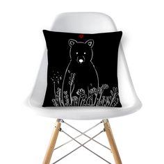 Compre Love Bear de @tatianagomes em almofadas de alta qualidade. Incentive artistas independentes, encontre produtos exclusivos.