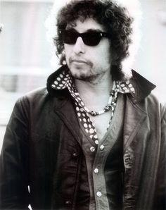 "Foto in ""1978-07-01 - Offstage, Nuremberg, West Germany"" - Google Fotos Bd Cool, Bob Dylan Lyrics, Extraordinary People, Animals Beautiful, Music Artists, The Beatles, Bobby, The Twenties, Nobel Prize"