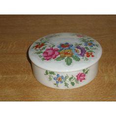 Beautiful Limoges Porcelaine De Paris Tapestry Pot Listing in the Limoges,China & Porcelain,Porcelain, Pottery & Glass Category on eBid United Kingdom | 168623978