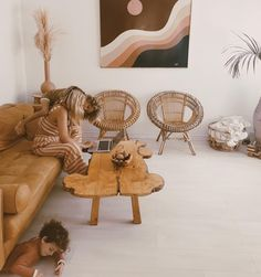 Tropical Modern Living Room Makeover with Behr Interior Paint Living Room Decor On A Budget, Home And Living, Casa Wabi, Interior Natural, Interior Decorating, Interior Design, Bohemian Decor, Interior Inspiration, Home Remodeling
