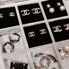 Chanel jewelry and accessories Cute Jewelry, Jewelry Box, Jewelry Accessories, Fashion Accessories, Fashion Jewelry, Chanel Jewelry, Luxury Jewelry, Chanel Earrings, Jewellery Earrings