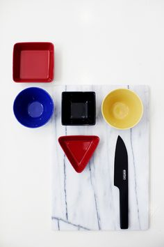 Iittala and Stelton Things Organized Neatly, Still Photography, Happy Colors, Little Houses, Ceramic Pottery, Kitchenware, Home Deco, All The Colors, Geometry