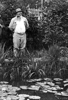 Bildender Künstler, Maler, Frankreichin seinem Garten in Giverny bei Paris- 1923