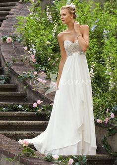 2013 spring strapless sweetheart wedding dress with crystal beaded embroidery bodice