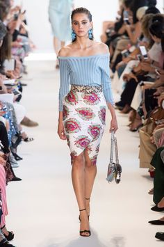 View the Altuzarra Spring 2017 RTW collection. See photos and video of the S2017RTW runway show. Altuzarra