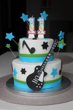 Torta compleanno ragazzo chitarra - boy's birthday cake with guitar