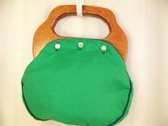 button purse... loved this!  My had a reversable cover!