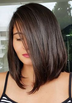 Latest trends of medium or shoulder length haircuts for women and girls to wear in 2019. Fantastic looking medium hairstyles are amazing way for girls to try nowadays.