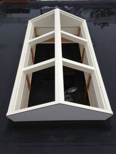 Daklicht hout Roof Skylight, Kitchen Diner Extension, Sunroom Addition, Roof Lantern, Exterior Stairs, Patio Interior, Backyard Patio Designs, Compact Living, Container House Design