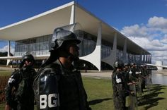 Temer revoga decreto que autorizou uso das Forças Armadas em Brasília - https://forcamilitar.com.br/2017/05/25/temer-revoga-decreto-que-autorizou-uso-das-forcas-armadas-em-brasilia/