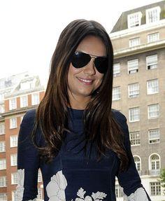Moda e Amor: Mila Kunis stunning flowery look in London