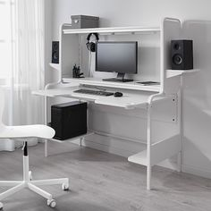 How do you make the perfect gaming station? That's what we set out to do with FREDDE desk by researching competitive gaming and enlisting a gamer designer of our own. Ikea Gaming Desk, Ikea Desk, Gaming Room Setup, Pc Setup, Pc Desk, Gaming Desk White, Office Setup, Computer Desk Setup, Ikea Office