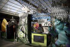 """Até 21 de setembro, crianças se divertem na atração """"Universidade Monstros"""", no Shopping Estação. Entrada é gratuita e recomendada a crianças de 3 a 12 anos. Inspirada na animação homônima da Disney Pixar, estrutura está montada na Praça de Eventos, no primeiro piso do shopping. São 85m² de decoração temática. Cinco brincadeiras transportam os pequenos...<br /><a class=""""more-link""""…"""