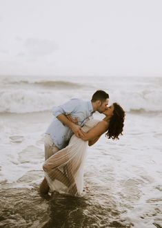 Naples Florida Beach Engagement Photos | Michelle Gonzalez Photography