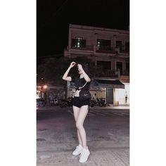 ❣️Save = follow #🍀Wang Yin Yi❌🌸 🔥Éo có khái niệm free💦 Korean Boys Ulzzang, Ulzzang Girl, Korea Fashion, Daily Fashion, Korean Beauty Girls, Asian Beauty, Cool Instagram Pictures, Korean Girl Photo, Pretty Anime Girl