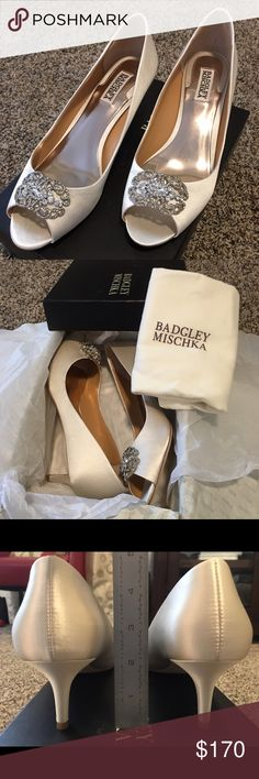 "Badgley Mischka Sz 9 Ivory Satin 2"" Wedding Heels Sz 9, brand new never worn wedding heels with original box, extra crystal pieces and duster bag Badgley Mischka Shoes Heels"