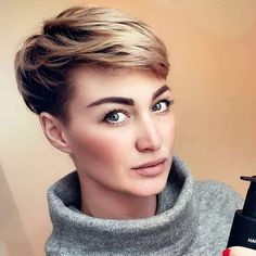 New Pixie Haircut Ideas in 2018 – 2019 - neue Pixie Haircut-Ideen in den Jahren 2018 - 2019 - - Kurze Frisuren de cheveux courts Pixie Styles, Short Hair Styles, Pixie Bob Haircut, Cute Short Haircuts, Haircut And Color, Trending Haircuts, Pixies, Hairstyles Haircuts, Latest Hairstyles