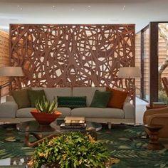 Roberto Migotto desenvolve o Espaço Brasil de Pau a Pique que combinou as técnicas de construção do pau a pique com materiais contemporâneos.